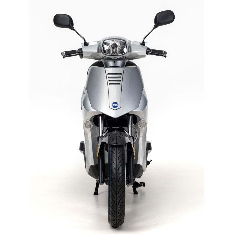 Voorkant F3 e-scooter grijs